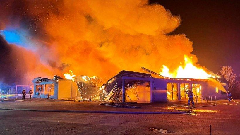 Aldi-Markt in Apolda in Flammen