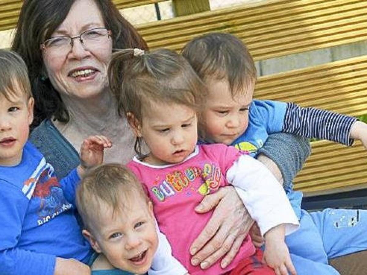 Kinder Von Vierlingsmutter 65 Werden Zwei Jahre Alt Vermischtes Thuringer Allgemeine
